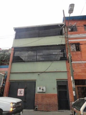 Local Comercial Distrito Metropolitano>Caracas>San Agustin del Norte - Venta:30.536.000.000 Precio Referencial - codigo: 12-3100