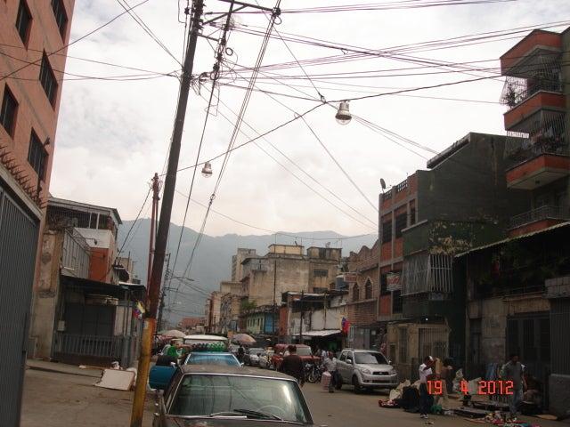 Local Comercial Distrito Metropolitano>Caracas>Catia - Venta:200.000 Precio Referencial - codigo: 12-3396