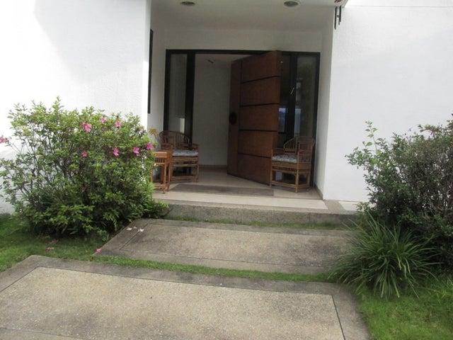 Casa Distrito Metropolitano>Caracas>El Marques - Venta:70.501.000.000 Bolivares - codigo: 12-4277