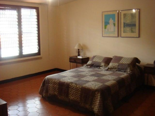 Casa Distrito Metropolitano>Caracas>Terrazas del Club Hipico - Venta:222.420.000.000 Precio Referencial - codigo: 12-4983