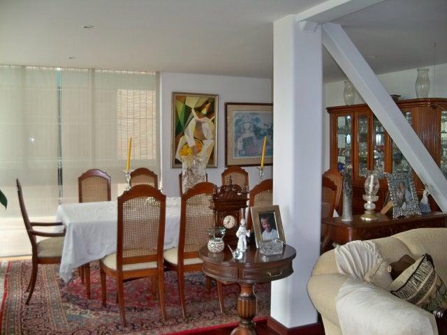 Casa Distrito Metropolitano>Caracas>Los Guayabitos - Venta:1.758.694.000.000 Precio Referencial - codigo: 12-6635