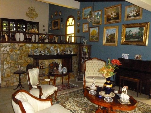 Casa Distrito Metropolitano>Caracas>Loma Larga - Venta:242.638.000.000 Precio Referencial - codigo: 12-7401
