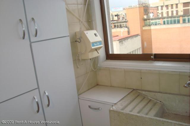 Apartamento Distrito Metropolitano>Caracas>El Rosal - Venta:69.887.000.000 Precio Referencial - codigo: 12-7418