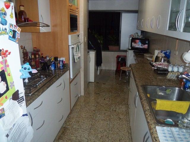 Apartamento Distrito Metropolitano>Caracas>Miranda - Venta:27.927.000.000 Bolivares Fuertes - codigo: 13-205