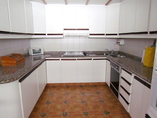 Casa Distrito Metropolitano>Caracas>Colinas de Bello Monte - Venta:421.401.000.000 Precio Referencial - codigo: 13-281