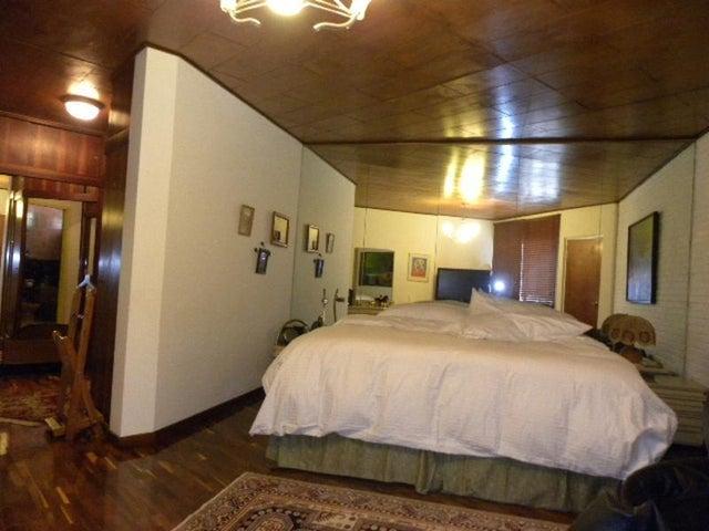 Casa Distrito Metropolitano>Caracas>Colinas de Bello Monte - Venta:57.735.000.000 Bolivares - codigo: 13-1657