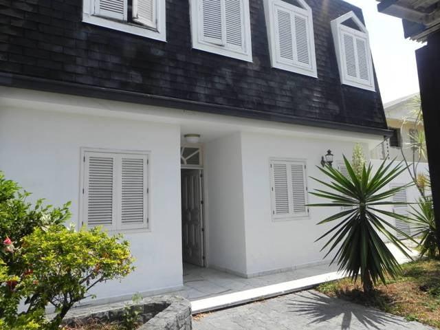 Casa Distrito Metropolitano>Caracas>La Florida - Venta:419.320.000.000 Precio Referencial - codigo: 13-2231