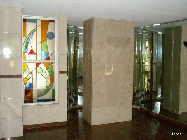 Apartamento Distrito Metropolitano>Caracas>La Florida - Venta:71.474.000.000 Precio Referencial - codigo: 13-2230