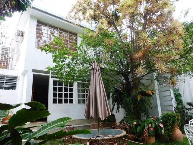 Casa Distrito Metropolitano>Caracas>San Bernardino - Venta:30.550.000.000 Bolivares - codigo: 13-2830