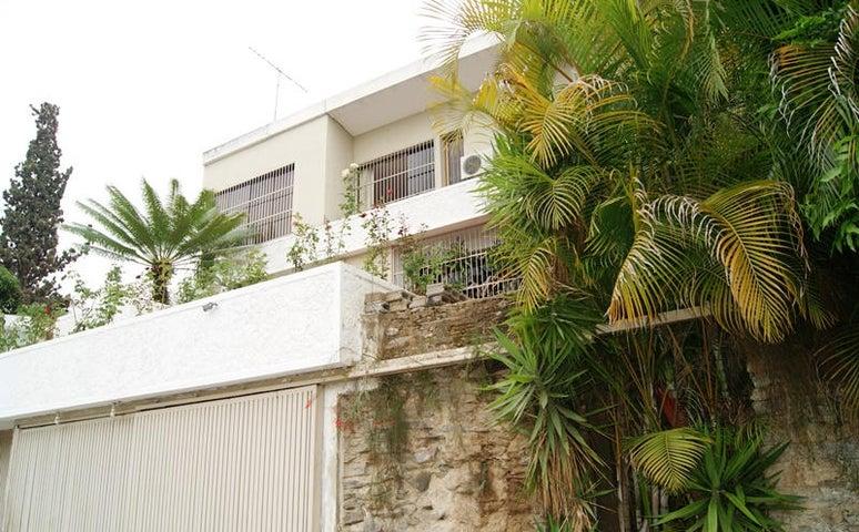 Casa Distrito Metropolitano>Caracas>Cumbres de Curumo - Venta:800.000 Precio Referencial - codigo: 13-3205
