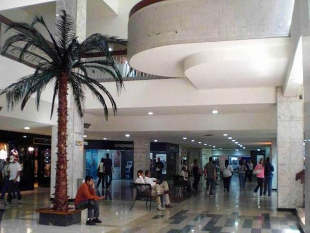 Negocios y Empresas Distrito Metropolitano>Caracas>Chuao - Venta:0 Bolivares - codigo: 13-3223