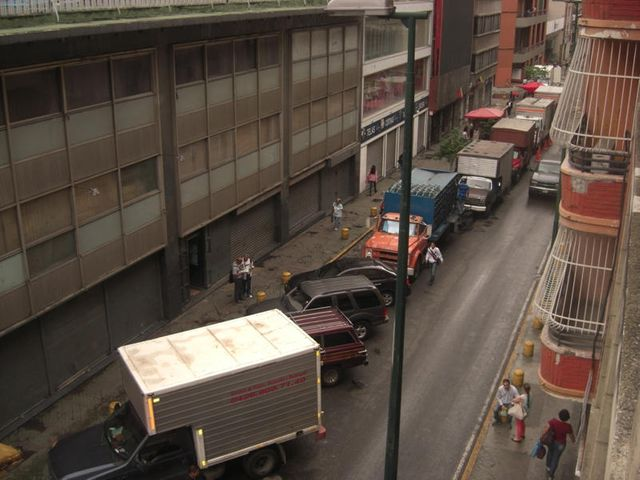 Local Comercial Distrito Metropolitano>Caracas>Parroquia Catedral - Venta:217.418.000.000 Precio Referencial - codigo: 13-3710