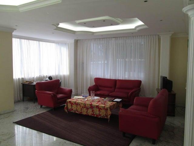 Casa Distrito Metropolitano>Caracas>Macaracuay - Venta:69.282.000.000 Bolivares - codigo: 13-3830