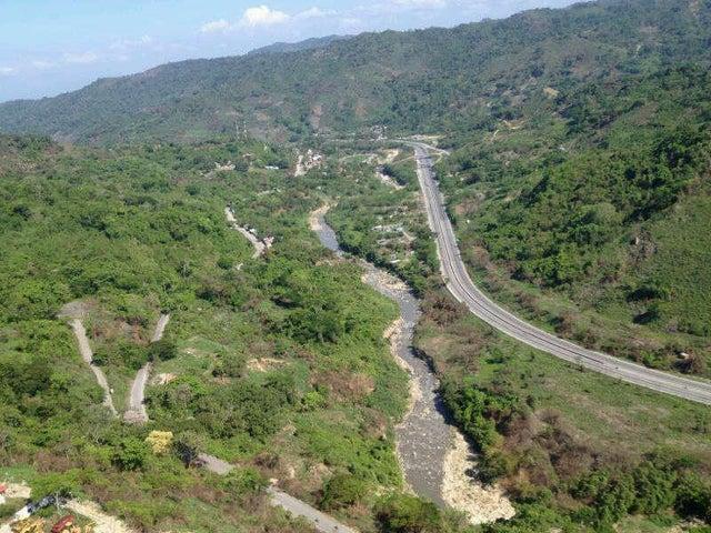 Terreno Miranda>Caucagua>Av General Miguel Acevedo - Venta:15.000.000.000 Bolivares Fuertes - codigo: 13-2242