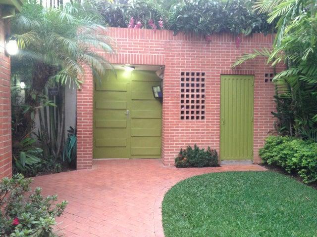 Casa Distrito Metropolitano>Caracas>Altamira - Venta:791.412.000.000 Precio Referencial - codigo: 13-3873