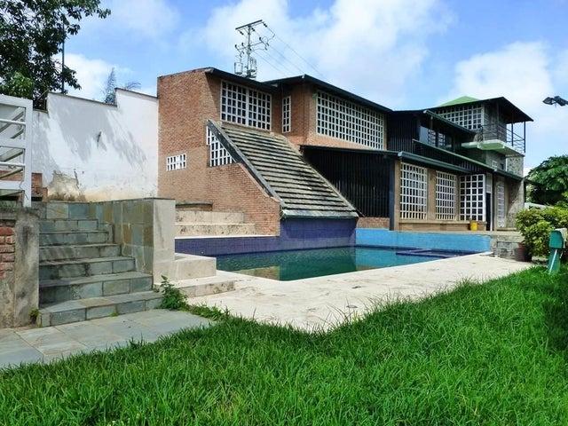 Casa Distrito Metropolitano>Caracas>La Union - Venta:398.748.000.000 Precio Referencial - codigo: 13-5571