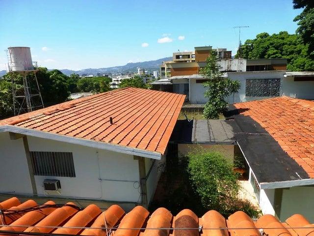 Casa Distrito Metropolitano>Caracas>La Castellana - Venta:549.653.000.000 Precio Referencial - codigo: 13-5693