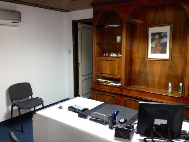 Local Comercial Distrito Metropolitano>Caracas>El Recreo - Venta:11.636.000.000 Bolivares - codigo: 13-6138