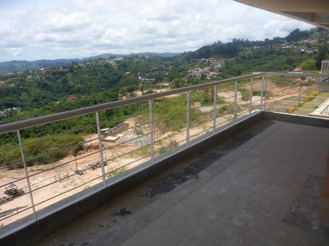 Apartamento Distrito Metropolitano>Caracas>Alto Hatillo - Venta:36.211.000.000 Bolivares Fuertes - codigo: 13-6521