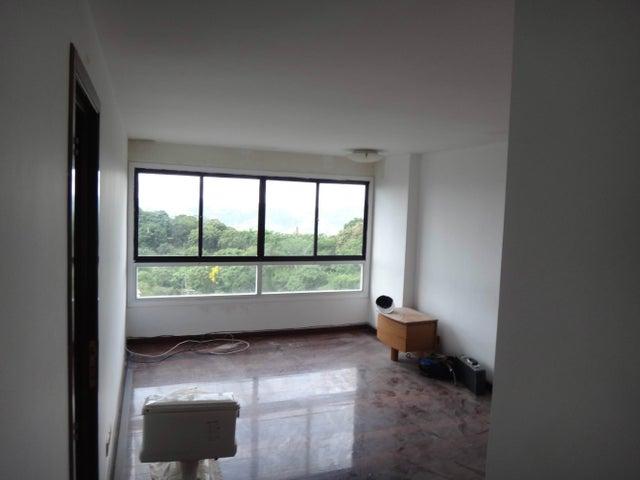 Apartamento Distrito Metropolitano>Caracas>La Lagunita Country Club - Venta:1.250.000 Precio Referencial - codigo: 13-6547