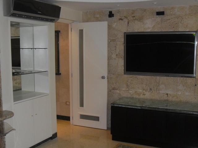 Apartamento Distrito Metropolitano>Caracas>Campo Alegre - Venta:55.520.000.000 Bolivares Fuertes - codigo: 13-6757