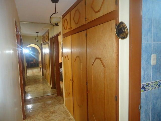 Apartamento Distrito Metropolitano>Caracas>Montalban III - Venta:22.447.000.000 Precio Referencial - codigo: 13-6895