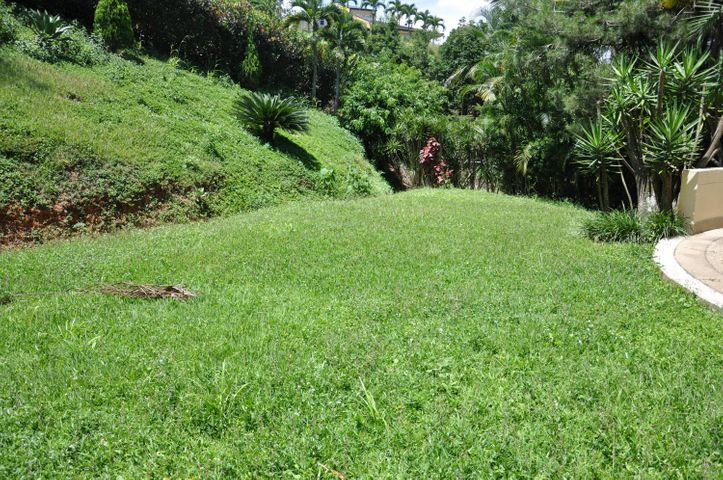 Casa Distrito Metropolitano>Caracas>Alto Prado - Venta:344.270.000.000 Precio Referencial - codigo: 13-6900