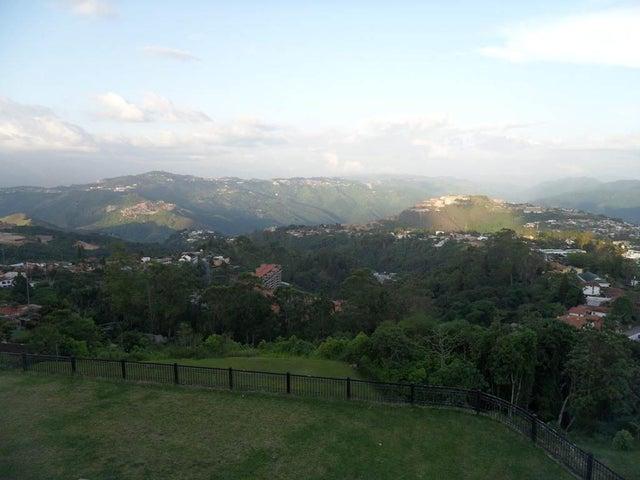 Terreno Distrito Metropolitano>Caracas>La Lagunita Country Club - Venta:6.300.000.000 Bolivares - codigo: 13-7102