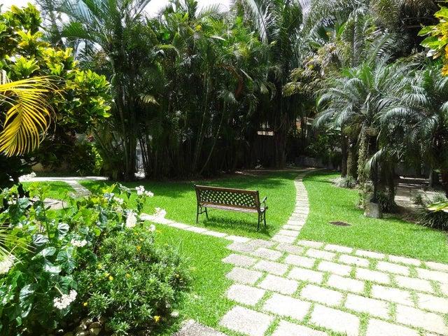 Casa Distrito Metropolitano>Caracas>Colinas del Tamanaco - Venta:577.212.000.000 Precio Referencial - codigo: 13-7477