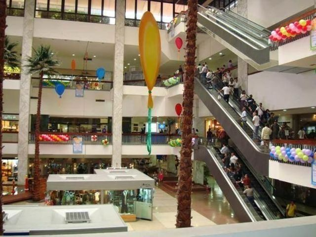 Negocios y Empresas Distrito Metropolitano>Caracas>Chuao - Venta:0 Bolivares - codigo: 13-7586