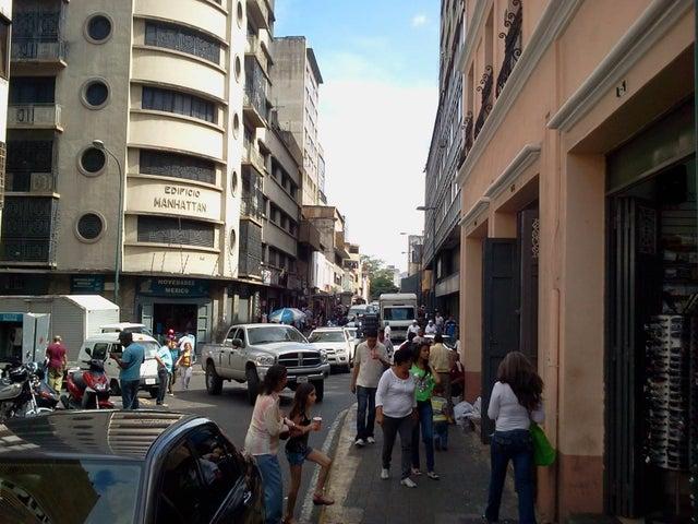 Local Comercial Distrito Metropolitano>Caracas>Parroquia Catedral - Venta:1.522.500.000 Bolivares - codigo: 13-6607
