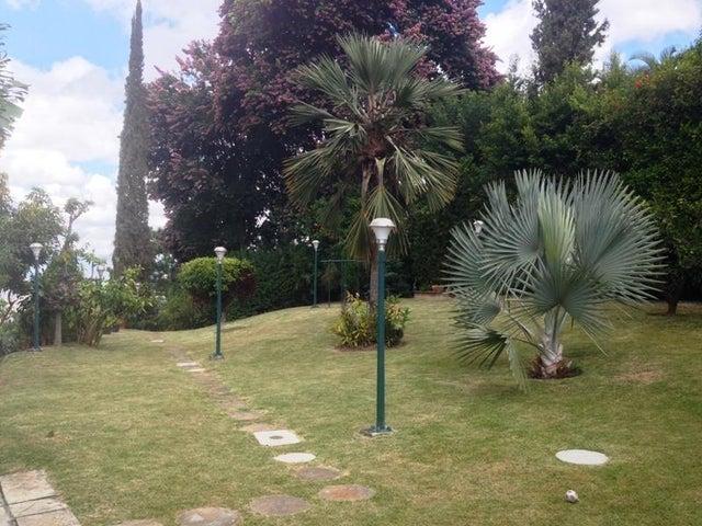 Casa Distrito Metropolitano>Caracas>Las Esmeraldas - Venta:600.000 Precio Referencial - codigo: 13-7983