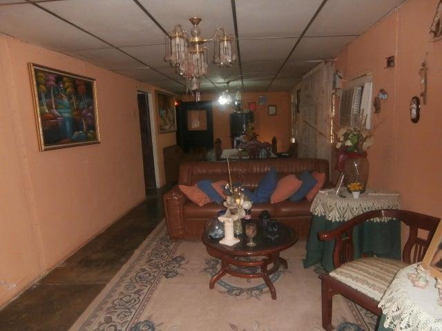 Casa Zulia>Ciudad Ojeda>Tia Juana - Venta:4.000 US Dollar - codigo: 13-8172