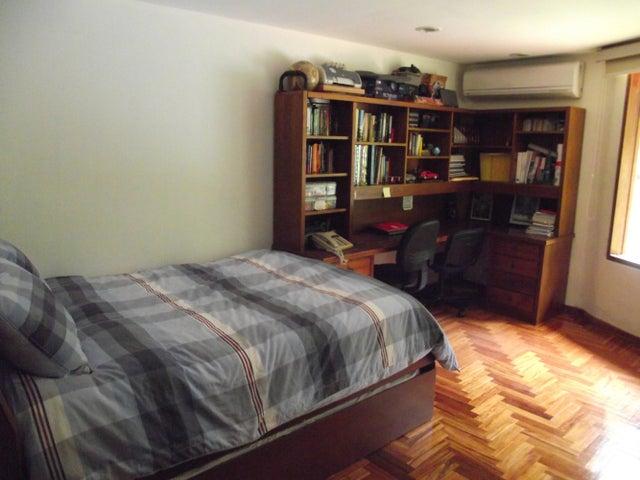 Casa Distrito Metropolitano>Caracas>Alto Hatillo - Venta:270.703.000.000 Bolivares - codigo: 13-8452