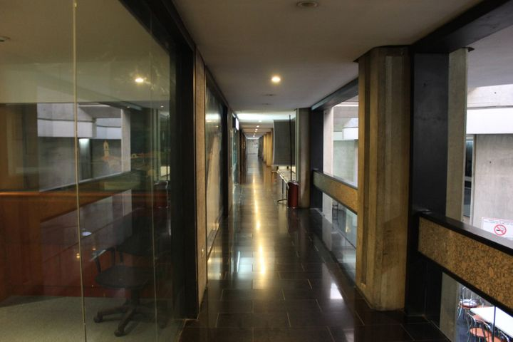 Oficina Distrito Metropolitano>Caracas>Prados del Este - Venta:1.000.000 Precio Referencial - codigo: 13-8453