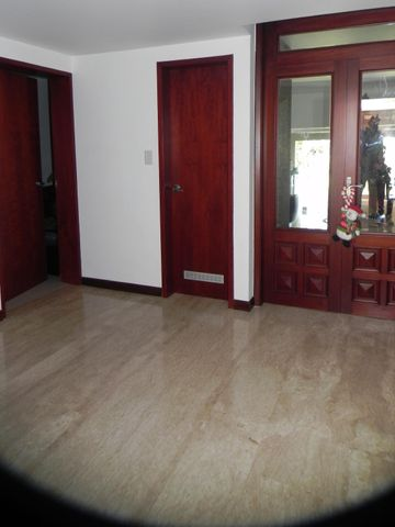 Casa Distrito Metropolitano>Caracas>Santa Fe Norte - Venta:280.000.000.000 Bolivares - codigo: 13-8948
