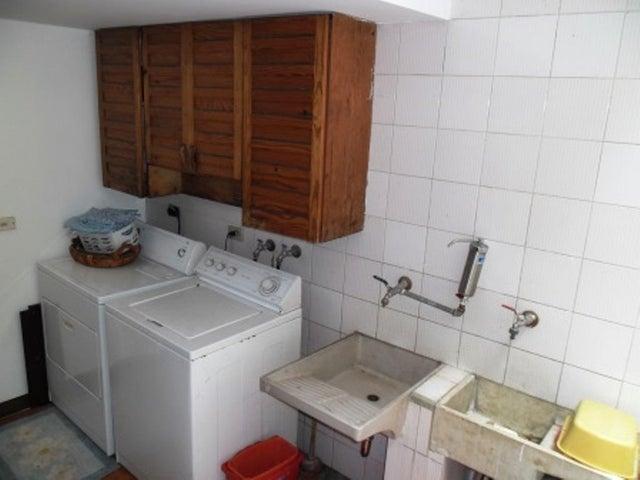 Casa Distrito Metropolitano>Caracas>Los Naranjos del Cafetal - Venta:244.290.000.000 Precio Referencial - codigo: 13-9018