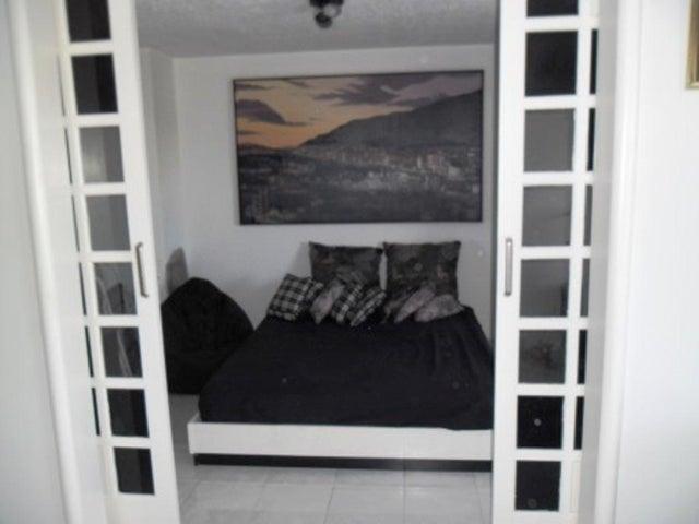 Apartamento Distrito Metropolitano>Caracas>Los Samanes - Venta:210.000 Precio Referencial - codigo: 13-9175