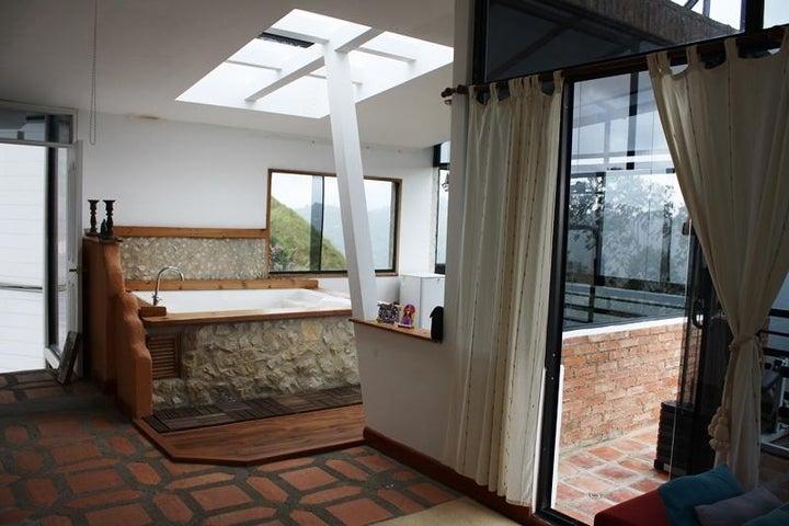 Casa Distrito Metropolitano>Caracas>Los Robles - Venta:107.143.000.000 Precio Referencial - codigo: 14-259