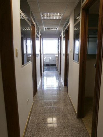 Oficina Distrito Metropolitano>Caracas>Chacao - Venta:69.069.000.000 Bolivares - codigo: 14-446