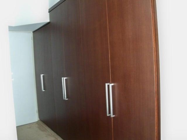 Apartamento Distrito Metropolitano>Caracas>El Rosal - Venta:188.089.000.000 Precio Referencial - codigo: 14-665