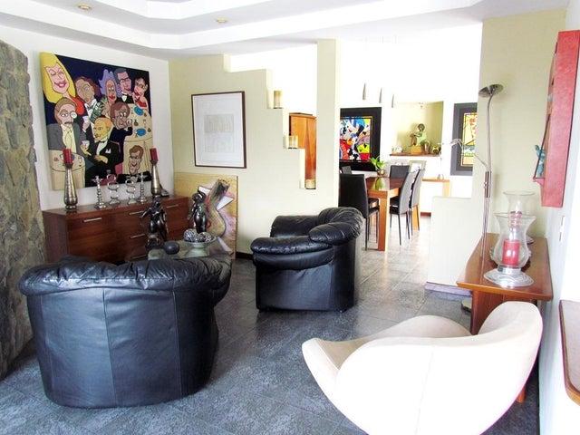Casa Distrito Metropolitano>Caracas>Prados del Este - Venta:103.827.000.000 Bolivares - codigo: 14-701