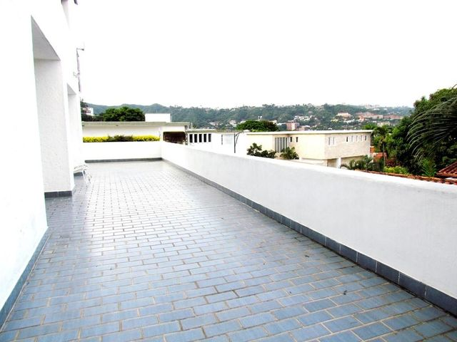 Casa Distrito Metropolitano>Caracas>Prados del Este - Venta:364.624.000.000 Precio Referencial - codigo: 14-701