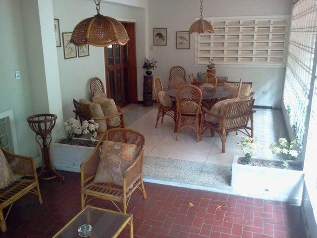Casa Distrito Metropolitano>Caracas>San Roman - Venta:750.000.000 Bolivares - codigo: 14-871