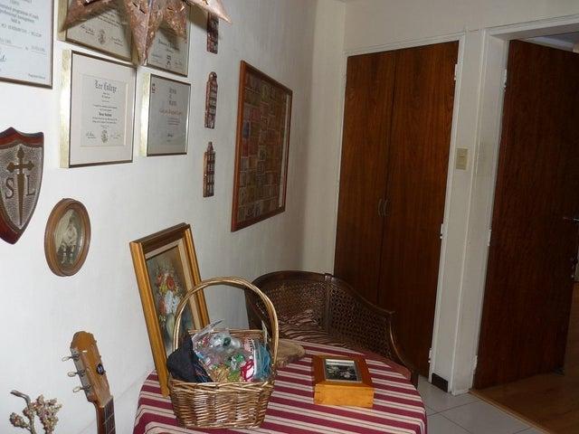 Apartamento Distrito Metropolitano>Caracas>Los Naranjos del Cafetal - Venta:42.300.000.000 Bolivares Fuertes - codigo: 14-1066