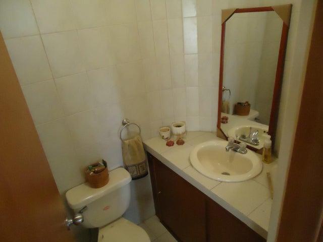Apartamento Distrito Metropolitano>Caracas>Miranda - Venta:43.471.000 Precio Referencial - codigo: 14-1282