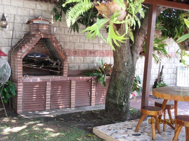 Casa Distrito Metropolitano>Caracas>Colinas de Vista Alegre - Venta:127.704.000.000 Precio Referencial - codigo: 14-3253