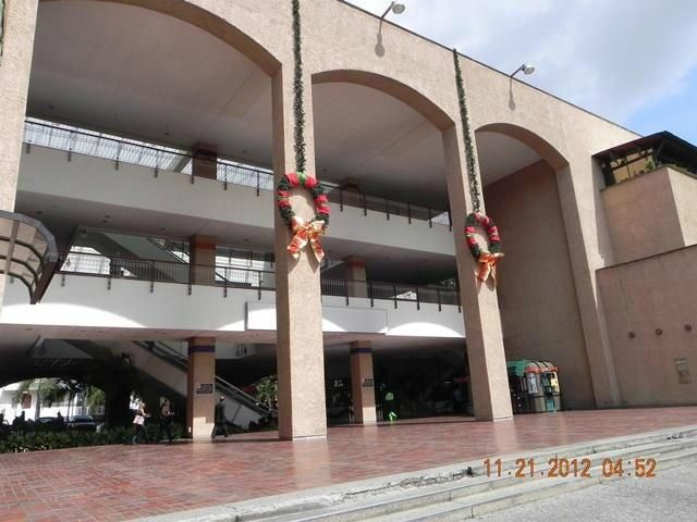Local Comercial Distrito Metropolitano>Caracas>Prados del Este - Venta:57.080.000.000 Precio Referencial - codigo: 14-1543