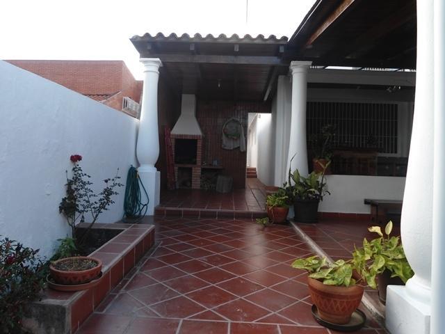 Casa Distrito Metropolitano>Caracas>El Placer - Venta:287.334.000.000 Precio Referencial - codigo: 14-1697