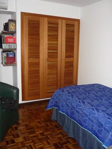 Apartamento Distrito Metropolitano>Caracas>Santa Paula - Venta:73.287.000.000 Precio Referencial - codigo: 14-1751